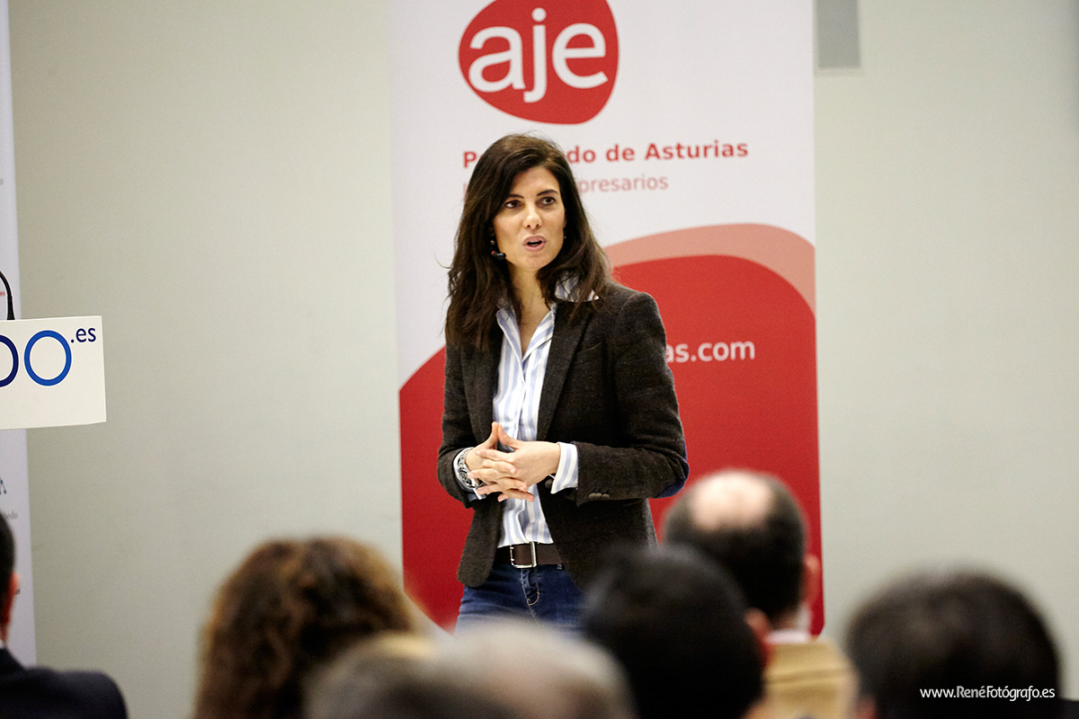 Beatriz_Navarro_Directora_de_Marketing_Comunicación_de_FNAC